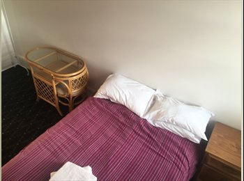 EasyRoommate AU - Awesome pad, fully furnished, Launceston - $200 pw