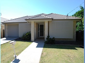 EasyRoommate AU - Looking to lease half a house in Carseldine. All welcome :D, Carseldine - $190 pw