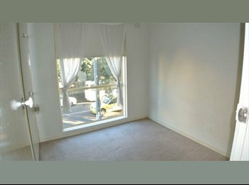 EasyRoommate AU - 2 Bedroom Apartment in great location, Armadale,Melbourne, Armadale - $200 pw