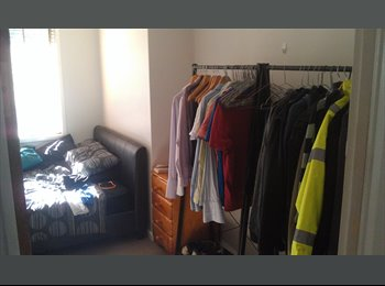 EasyRoommate AU - Fully furnished room in Maquarie in house with a dog, Macquarie - $170 pw