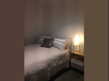 EasyRoommate AU - New room in existing Paddington sharehouse, Paddington - $170 pw