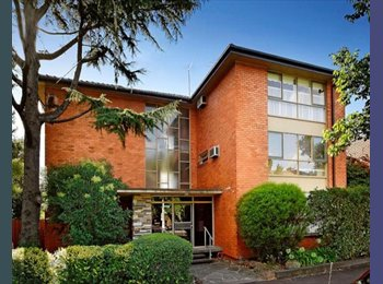 EasyRoommate AU - Entire Sunny top floor apartment opposite the Edinburg Gardens, Fitzroy North - $350 pw