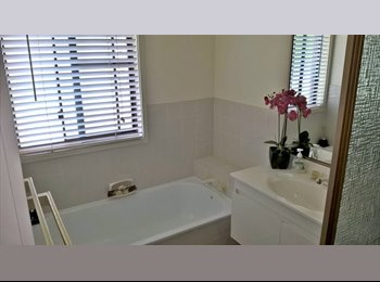 EasyRoommate AU - In town  acreage home, rooms to let for mature employed lady., Gaven - $200 pw