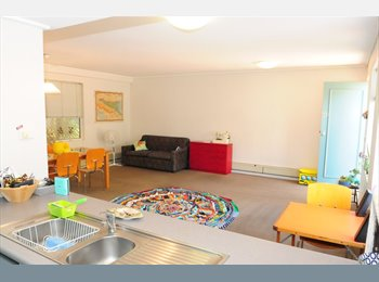 EasyRoommate AU - Cozy Room in Carlton, perfect location. Couples!, Carlton - $345 pw
