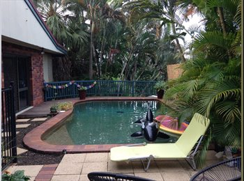 EasyRoommate AU - Home sweet home in the hills of Earlville - only 6kms to town :D, Manoora - $200 pw