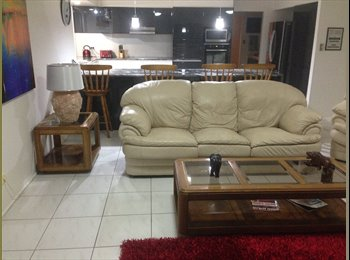 EasyRoommate AU - Waterfront home, Gold Coast - $170 pw