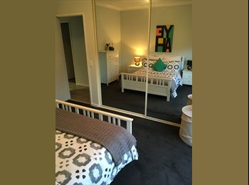 EasyRoommate AU - $280 fully furnished room with bathroom in mordern apertment , Perth - $280 pw