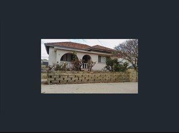 EasyRoommate AU - Nice old house, good location, Bayswater - $180 pw