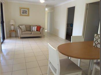 EasyRoommate AU - Room to rent loganlea main room , Loganlea - $220 pw