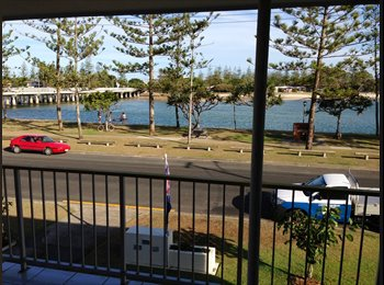 EasyRoommate AU - Literally opposite the water! Beach lifestyle. Burleigh Heads. , Burleigh Heads - $220 pw