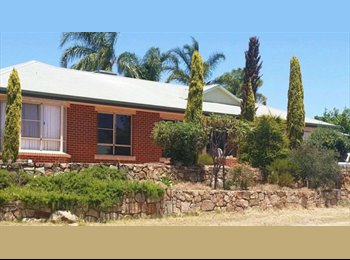 House close to St john of god hospital Midland, ONLY 20mins...