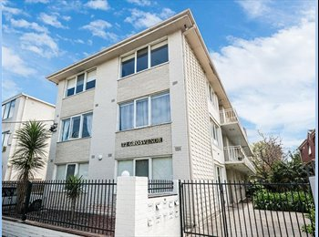 EasyRoommate AU - 2 BEDROOM APARTMENT IN THE HEART OF IT ALL!, Balaclava - $420 pw