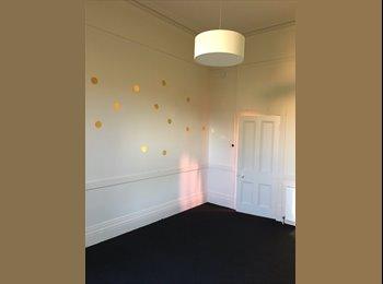 EasyRoommate AU - Large Room in Beautiful Old House, Kew - $280 pw