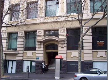 EasyRoommate AU - Room for Rent Short walk to Taylors College, RMIT University, Melbourne - $250 pw