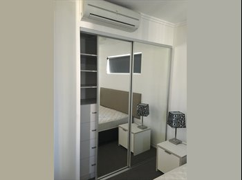 EasyRoommate AU - Room available for couple or single person!, Brisbane - $250 pw