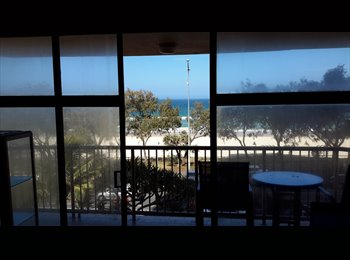 Beachfront apartment 5 mins walk from everything