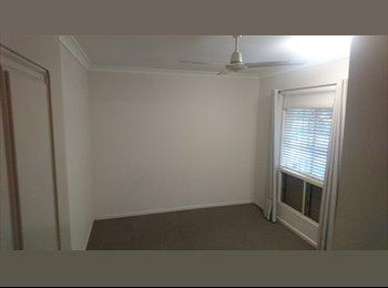 EasyRoommate AU - Large room for rent, Manoora - $210 pw