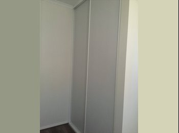 2 rooms for rent in Windsor Gardens