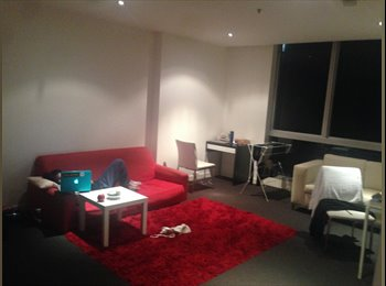 Room for rent in the city central (QV apartment)