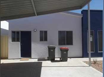 EasyRoommate AU - Looking for a flatmate!!, Mullaquana - $125 pw