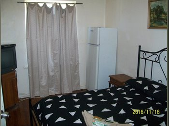 EasyRoommate AU - TV fridge in the fully furnished room, Elizabeth Town - $130 pw