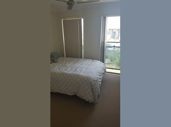 Room available in large house