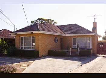 house for rent near deakin uni