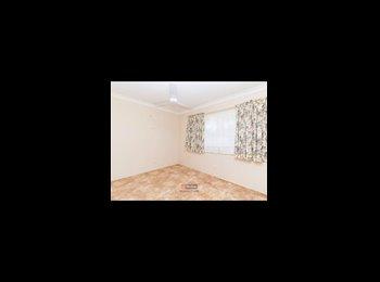 EasyRoommate AU - ROOM FOR RENT, Woodridge - $110 pw