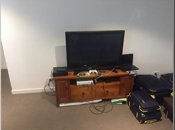 EasyRoommate AU - Room for share in a beautiful and big house, Tottenham - $130 pw