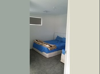 Two rooms to rent out