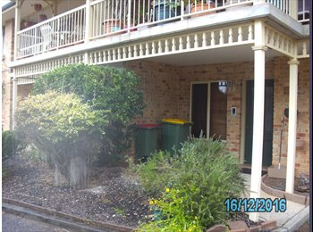 Furnished Room for Rent in lovely 2br townhouse in bush...