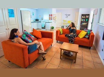 EasyRoommate AU - Girls only relaxed sharehouse - student special, Cairns - $125 pw