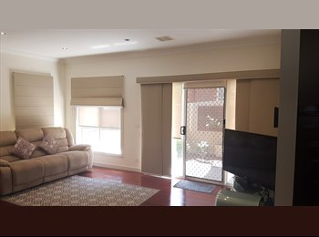 EasyRoommate AU - Room for Rent close to Austin Hospital, Ivanhoe - $240 pw