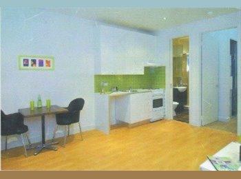 EasyRoommate AU - Cosy upstairs abode , Ivanhoe - $400 pw
