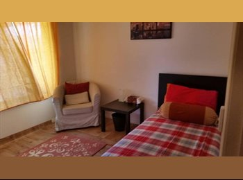 EasyRoommate AU - 2 rooms for rent 15mins from Adelaide CBD, Enfield - $180 pw