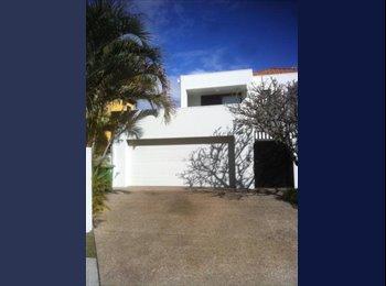EasyRoommate AU - Large fully furnished room , Gold Coast - $240 pw