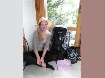 Dorothee - 18 - Student