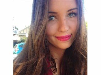 Christine - 21 - Student