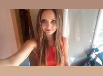 EasyRoommate AU - Jennifer - 18 - Australia