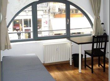 ch.3.3. - Avr. - au Centre Centre de Bruxelles (dans la Rue...