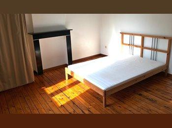 Jolies chambres en colocation centre-ville.