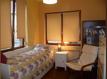 Chambre meublée à louer dans une maison familiale