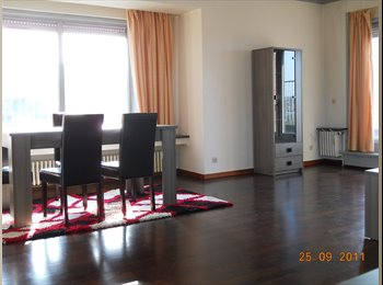 Appartager BE - RESTE 1 CHAMBRE DANS APPARTEMENT FACE U.T - Charleroi, Charleroi - 425 € / Mois