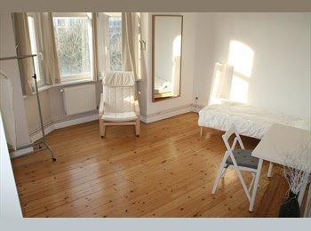 Appartager BE - One big room  (3 girls) near EU/Center - Schaerbeek Schaarbeek, Bruxelles-Brussel - 500 € / Mois