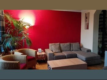 Room with double bed&green view - spacious Triplex with big...