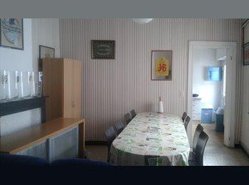 Appartager BE - Chambre proximité de la place, Mons - 310 € / Mois