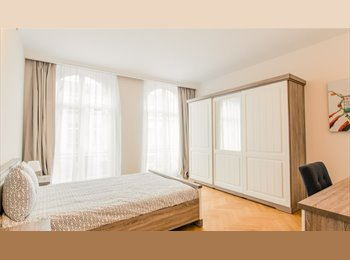 Appartager BE - studio dans une grande maison de caractère  - Auderghem-Oudergem, Bruxelles-Brussel - 1.150 € / Mois