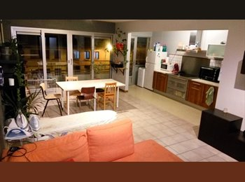 Appartager BE - Appartement pour colocation - Charleroi, Charleroi - 390 € / Mois