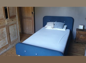 Appartager BE - Chambre à louer, Charleroi - 350 € / Mois