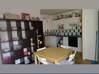 Appartager BE - chambre à louer à 10 minutes du centre de Mons - Mons-Bergen, Mons-Bergen - 350 € / Mois